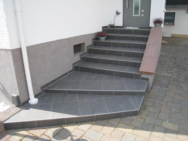 treppe 2 riedel fliesen westhofen. Black Bedroom Furniture Sets. Home Design Ideas